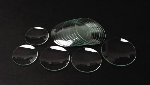 Různá skla hodinek